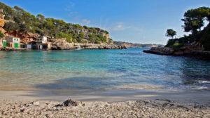Blick aus der Cala Lombards im Süden von Mallorca