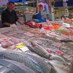 Fisch und Meeresfrüchte im Mercat de l'Olivar in Palma